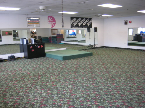 Businesses For Sale-Large Health Club and Gym-Buy a Business