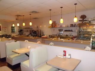Beautiful Spacious Queens Diner