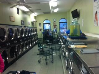 Laundromat Great Loc...