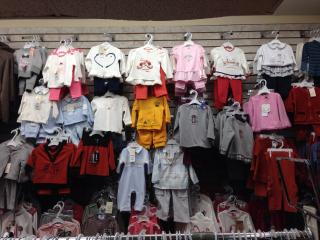 Childrens Clothing i...