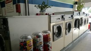 Laundromat in Great Location