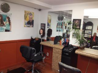 Attractive Hair Salon