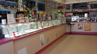 Ice Cream Shop in Su...