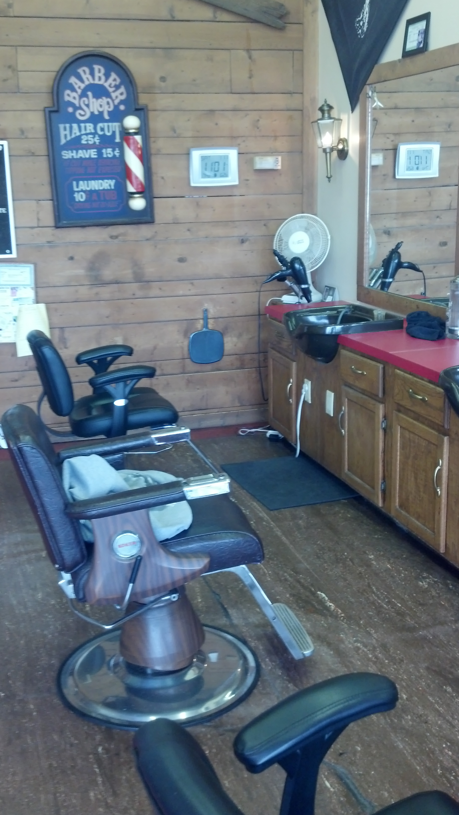 Businesses For Sale-Businesses For Sale-Barber Shop-Buy a Business