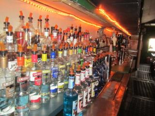 Businesses For Sale-Businesses For Sale-Popular Irish Pub In He-Buy a Business