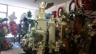 Businesses For Sale-Businesses For Sale-Floral Business at its Finest-Buy a Business