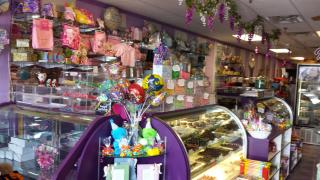 Gourmet Candy & Ice Cream Shop for Sale in Suffolk