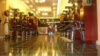 Businesses For Sale-Businesses For Sale-SemiAbsentee Large Hair Salon in Midtown-Buy a Business