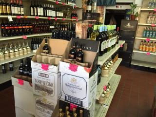 Wine & Liquor Store