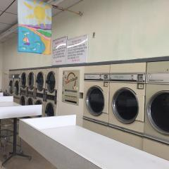 Hartford County, NY Established Laundromat