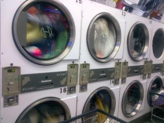 Laundromat & Drop-Off Dry Cleaners in Manhattan