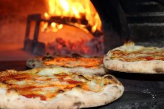 Established Pizzeria