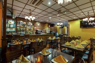 High Volume Manhattan Restaurant  for Sale