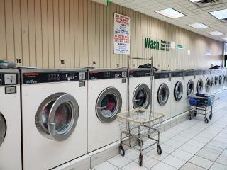 Laundromat for sale in Middlesex County