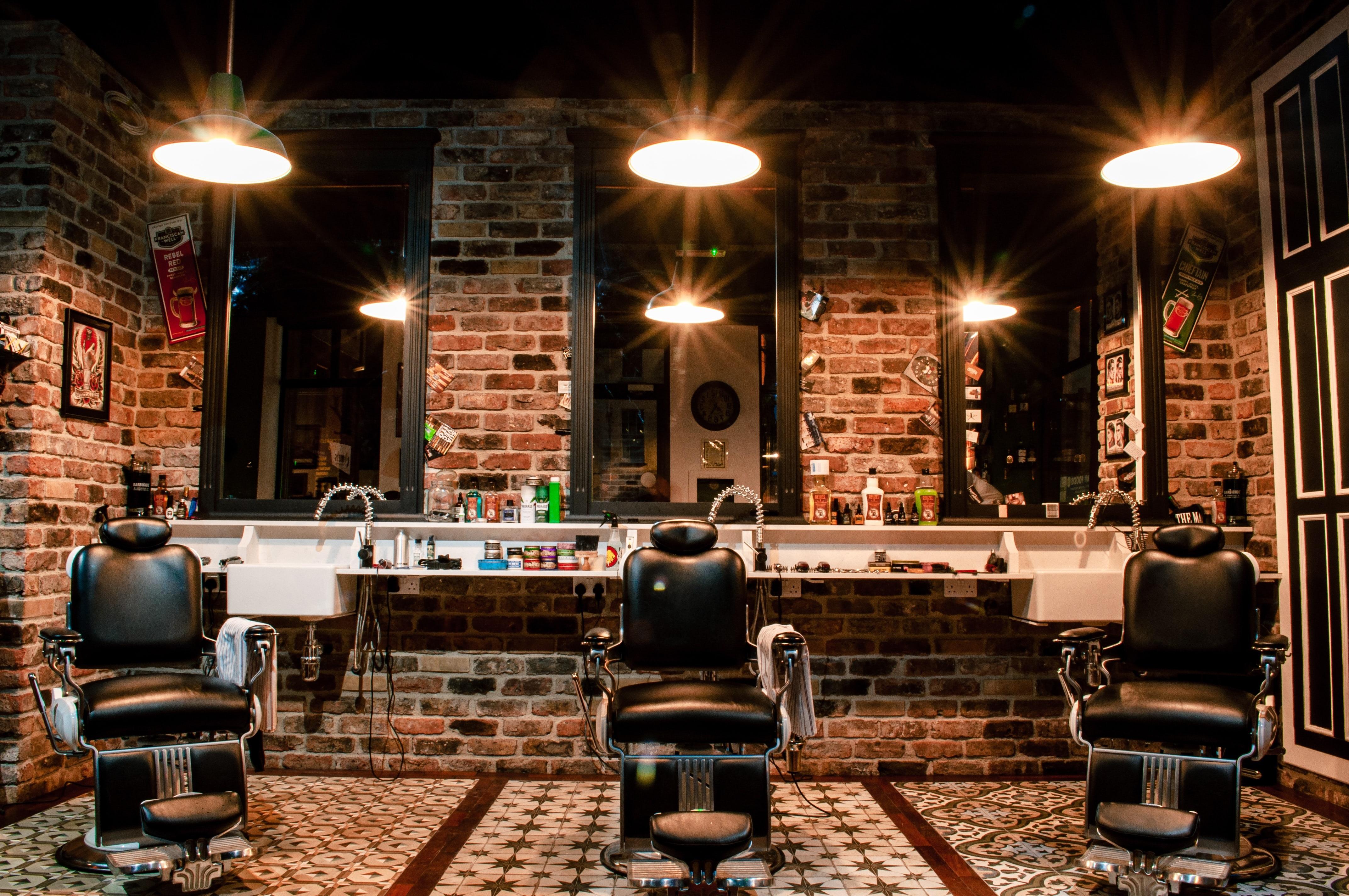 100 Y/O Barber Shop